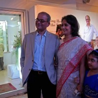 Dr. Pratip Banerji, Mrs Rinku Banerji & Miss Prajita Banerji welcome the Chief Guest